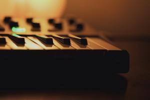 music-1284360_640
