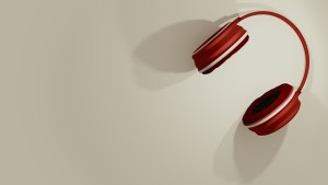 headphones-1375893_640